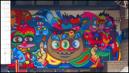 Colorful_Mural_on_a_School_Building_in_Gent_-_panoramio